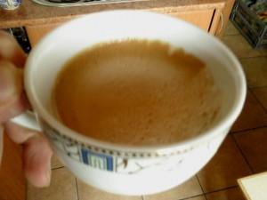 kawa z gorzką pianką